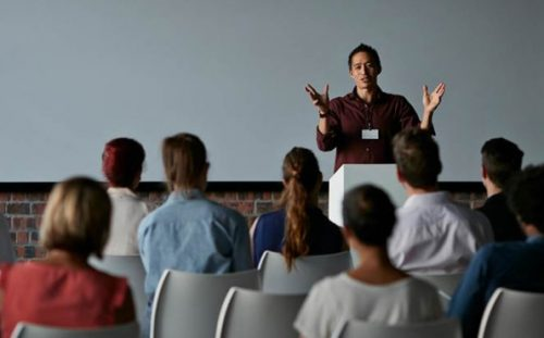 3 Tips for Improving Public Speaking in English for Non-Native Speakers