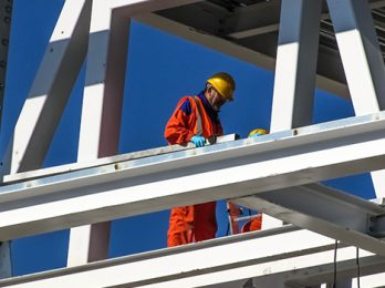 Improve safety with English courses for construction workers